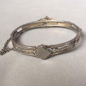 Jewelry - Ornate vintage bracelet